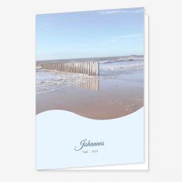 Rouwkaart Paaltjes aan het strand
